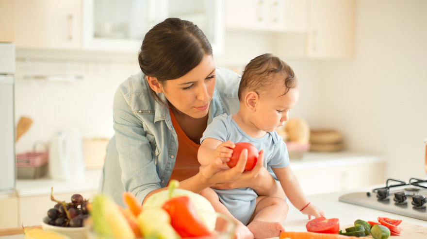 Breastfeeding: Can Mom's Diet Cause Baby To Be Gassy ...