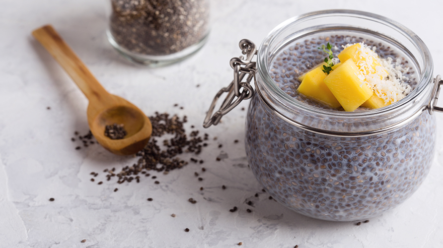 Coconut chia pudding with mango (recipe)