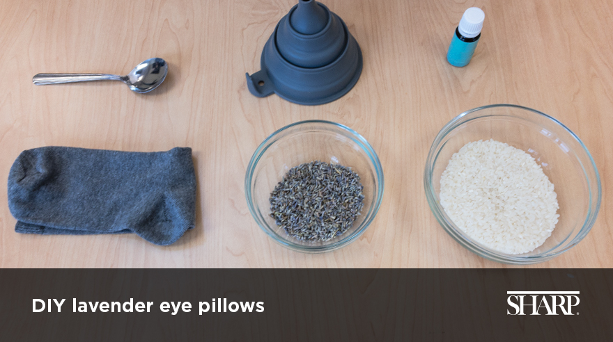 Make your own lavender eye pillow (video)
