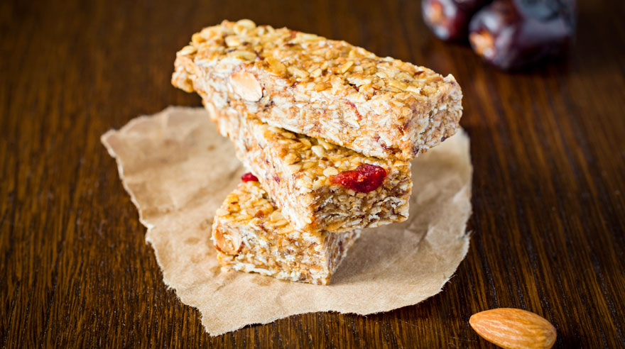 Make your own granola bars (recipe)