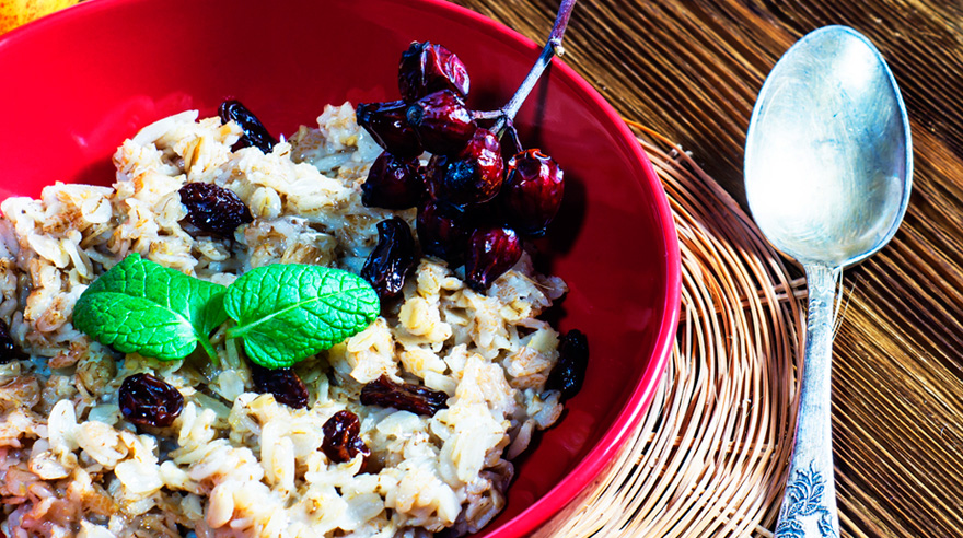 Start your day with this muesli-style oatmeal (recipe)