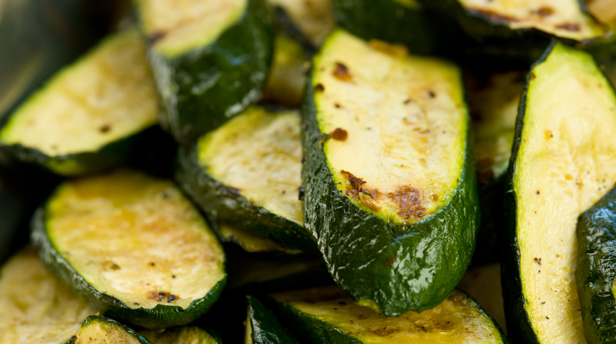Oven-roasted zucchini (recipe)