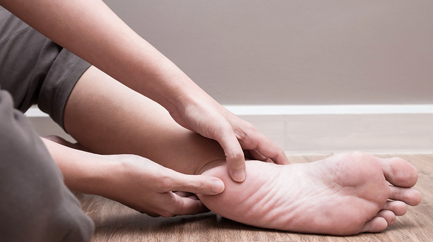 4 simple stretches to help plantar fasciitis