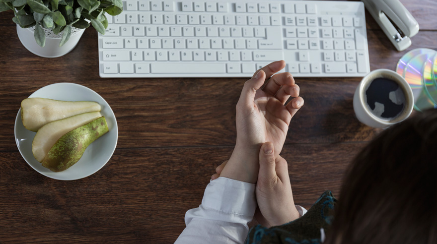 Women at greatest risk for carpal tunnel pain
