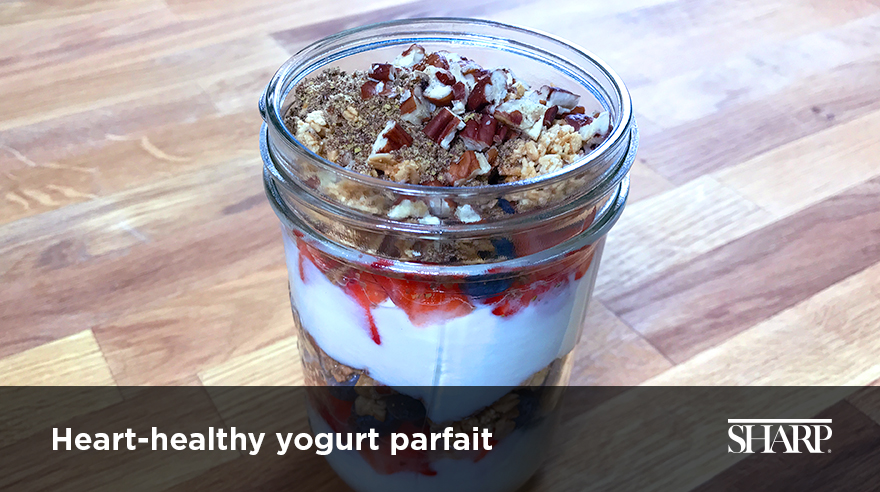 Heart-healthy yogurt parfait (recipe)